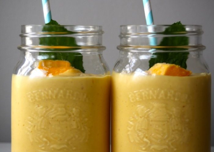 how to make a mango lassi