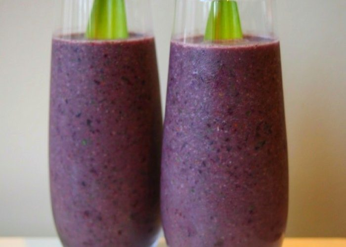 blueberry date smoothie