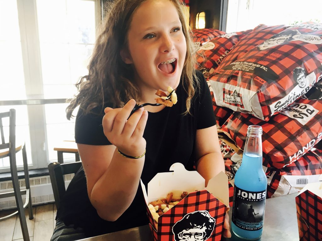 dining in tremblant, budget friendly, smoke's, poutine, lunch