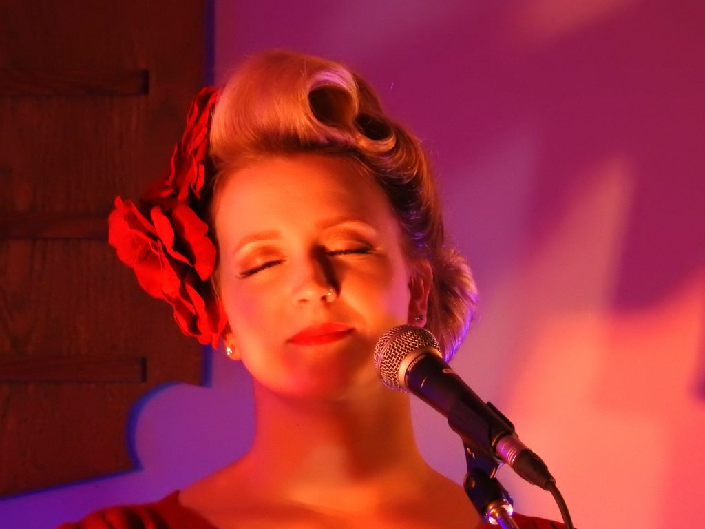 festival of small halls, Allyson Reigh Rosie & The Riveters